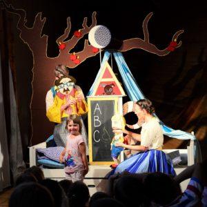Do představení se zapojí i děti. Foto: Michaela Baladová