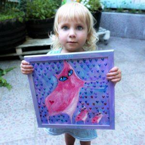 Moje sladká Klo a obraz Polcarky, k němuž inspiroval Romanu náš babinec. Foto: Rošt